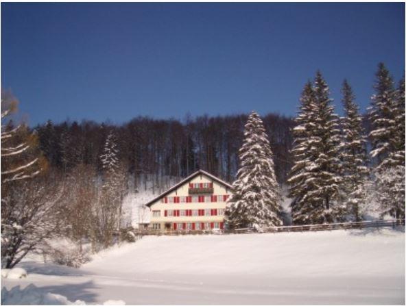 Seimnarhaus Jura